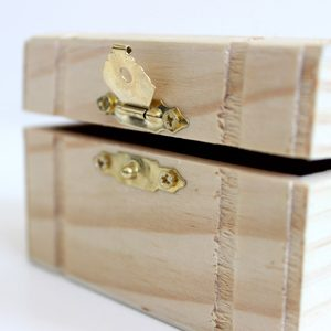 Wooden boxes and bowls