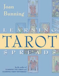Leaning tarot spreads by joan bunning