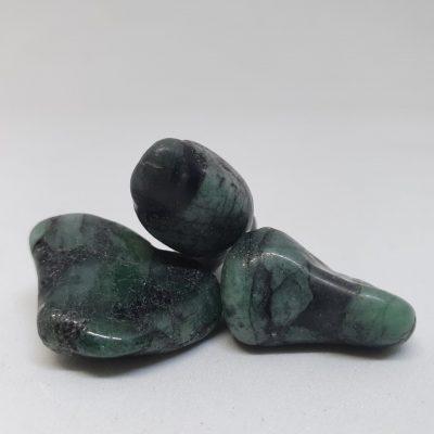 Polished emerald tumble stones