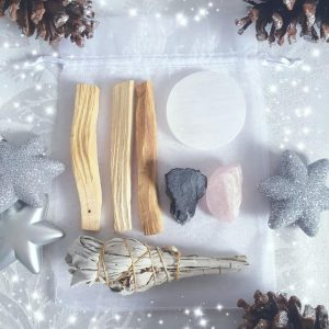 Spirit, mind and soul, gift pack, palo sant, white sage, rose quartz, black tourmaline, selenite, cleansing and clearing