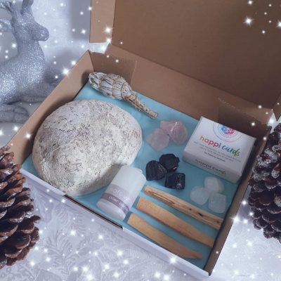 shift to shine gift box, christmas, cleansing and clearing gift box, smudge, palo santo, happi cards, selenite, rose quartz, black tourmaline